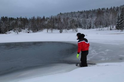 DRYSUIT TEST IN COLD LAKE